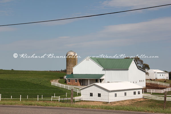 Ohio Amish Barn 1