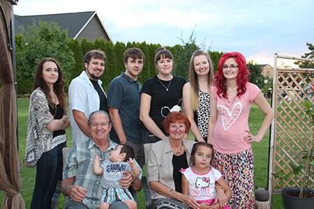 Wanda and Richard with all their grandchildren